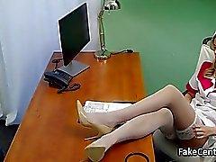 infermiera Mature scopa di carica ospedale