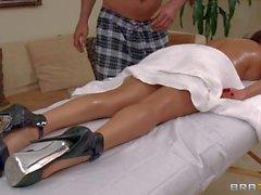 Mature Diamante Foxxx gode di il massaggio del corpo nuda