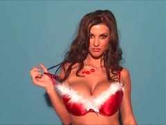 Alice Goodwin est un miracle busty de Noël