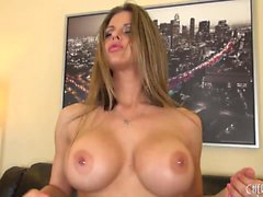 Busty y hermosa Rachel Roxxx Solo