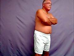 пожилые мужчины видеосигнал 00 011