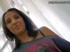 Burro Phat menina morena quente bateu no salão com o cliente pervertido
