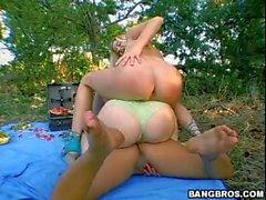 Sunny Lane Eva Angelina e Holly Morgan em orgia