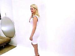 la modelo adolescente de los cums a photoshoot de audición colado