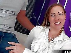 Atractiva y bonita esposa Bibi se la follan
