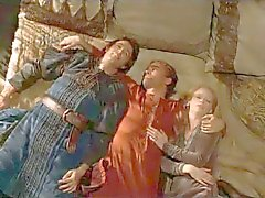 Le nebbie di di Avalon 2001 ( Terzetto scena erotica ) MFM