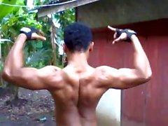Binaraga Индонезия Berpose 01