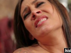 Stunning Raylene makes a cock disappear