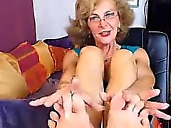 Sexy GILF Feet in Face CAM NO SOUND