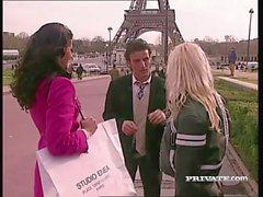 Katarina y Silvia Saint consigue salvaje en trío