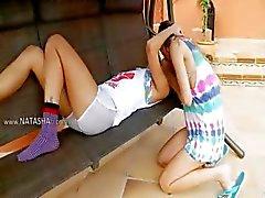 Russische meisjes cumming en uitkleden