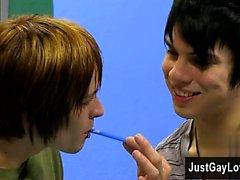 Gay kuyruk Kyler Moss bday pasta A'da Miles Gururu sürprizler