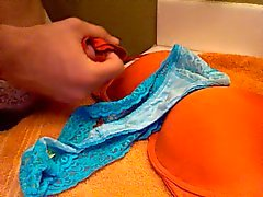 Inweken Mom's Dirty Bra en Thong