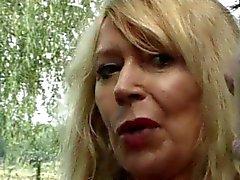 Fransk PORN 18 anala Storväxt mogen mom milf tonårsbrud bruden