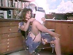 Classic porn 1989 's Taboo 7 met veel orale seks binnen en van buiten