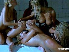 In un'orgia lesbica Eve Zafira Chiara G e Maggiori