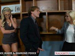 Blondes Phoenix Marie diamantes y Foxxx follando en cuarteto