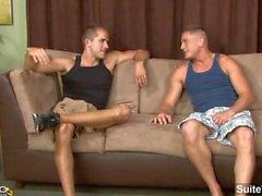 Naimisiin guy Brad tähteä ehtii kalu imenyt sekä iskivät silmää kun gay Brandon Lewis