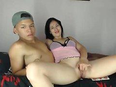 Digitación adolescente caliente en webcam