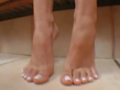 Brasilianische Mädchen zwingen ihre Fußanbetung
