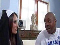 Sheila Marie Big Tits Monjas Fucks Un Gran a Dick Negro