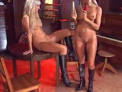 Ashley Bulgari et Carla Cox
