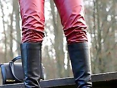 Slet in hoge hakken en laarzen