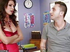 Hot grande professor mamas Jessica Jaymes bate seu assistente - Naughty America