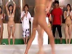 Troia ragazze giapponesi soddisfare i propri forte desiderio della selvaggia