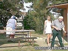 Outdoor drinken en trio