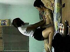 tailandesa bajo techo