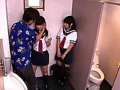 colegialas japonesas uniformados tipo cogida