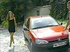 Skinny Maria Roswitha in het rood geneukt buiten