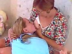 paige en maria borstvoeding