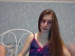 Sexy Teen Brunette spazzolatura dei capelli, Striptease, capelli lunghi