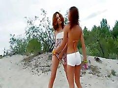 Russische cheerleaders speelde op het strand