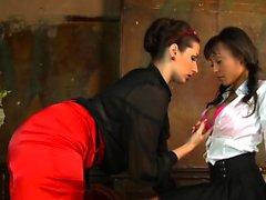 Paige Turnah y Alyssa Divine acción lesbiana