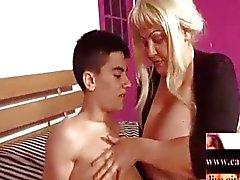 Blonde Latijns - BBW- Granny door jonge Guy