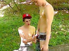 Clip homosexual de la Skylar West han estado esperando en el bosque de para H.