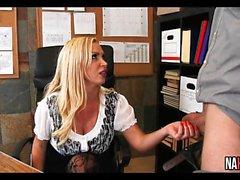 Un altro giorno in ufficio Nikki Benz