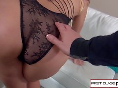 FirstClassPOV - Aaliyah Love succhia e cazzo un grosso cazzo