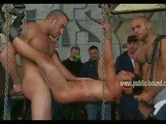 Greek Homosexuell Junge mit festen Körpers sowie große Klappe Chokes beim Fest deepthroat Geschlecht geben