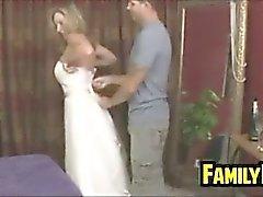 Suegra para In A vestido de novia