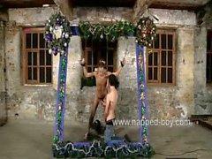 Jonny de et la Catherine Ashton freinent et les baiser Lc Desmond
