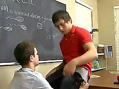 Tv Homosexuell Jungen Porno von Timo Garretts ergibt seinem Lehrer Die Julischen Smil
