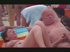 Desnudos de playa Exhiibitions pública