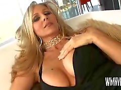 Inter Julia Ann