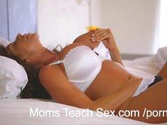 Мамы Научи Секс - Мама фантазии становятся реальностью