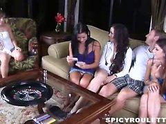 18yo Tanner y Alexis Capri jugar de juegos sexual y de