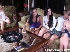 18летняя Tanner Алексис Остров Капри играть сексуальные игры и